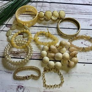 Cream bracelet lot of 12 beads, stones NWT/GUC